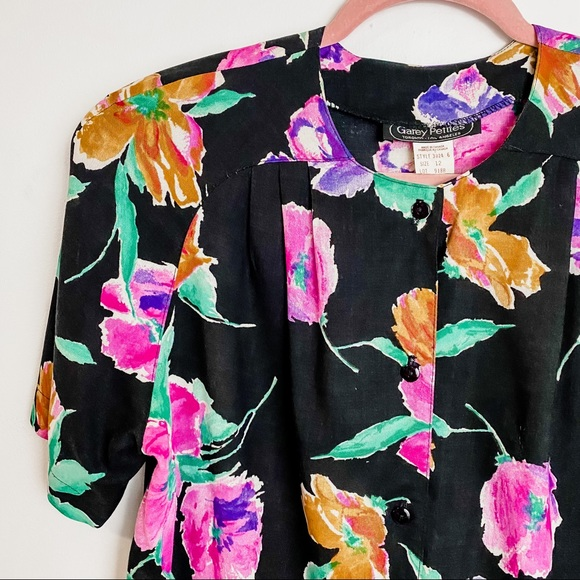 Vintage 80s short sleeved rayon blouse
